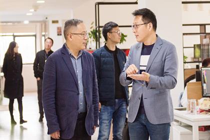 热烈欢迎西湖区区委常委、宣传部长吴向前等一行走访调研趣阅科技